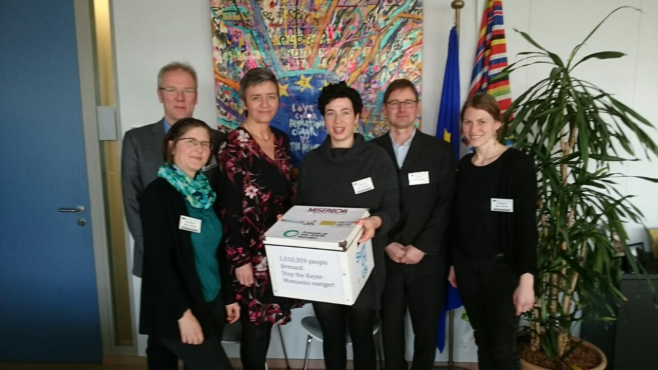 Treffen mit EU-Kommissarin Vestager zur Übergabe unserer Petition für einen Stopp der BaySanto-Fusion