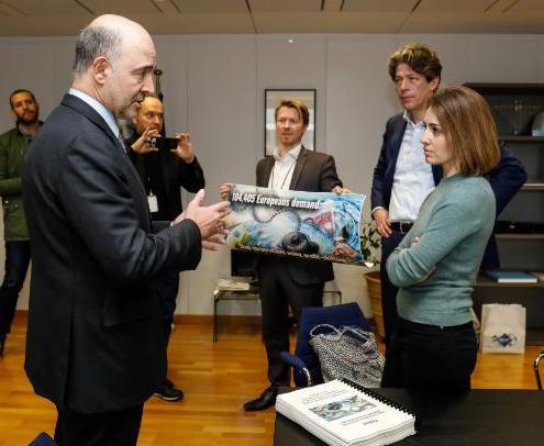 Treffen mit EU-Kommissar Moscovici zur Übergabe unserer Petition für Steuergerechtigkeit
