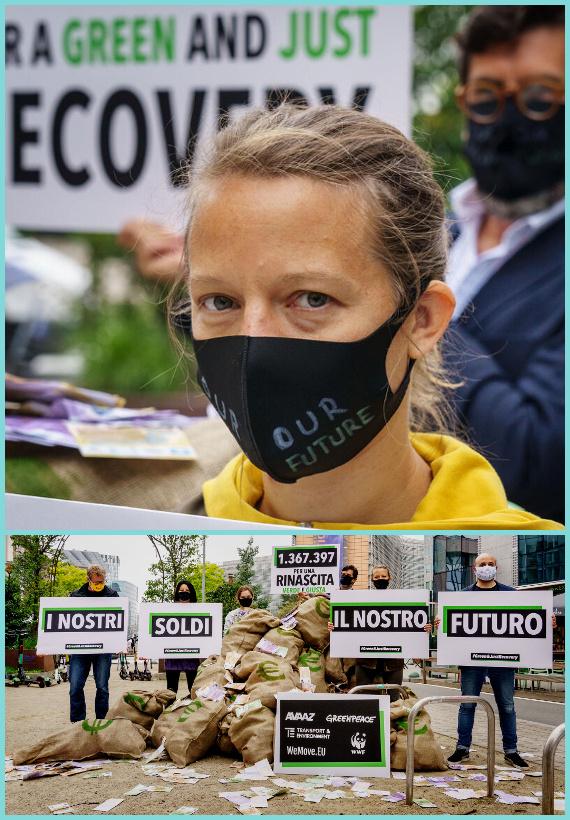 Una donna indossa una maschera che dice 'il nostro futuro', un gruppo di manifestanti con cartelli che dicono 'i nostri soldi, il nostro futuro'.