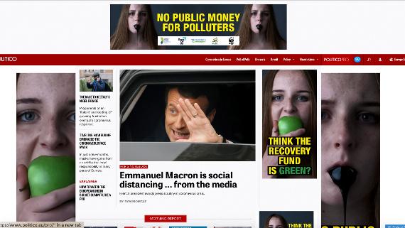 La nostra pubblicità su Politico mostra una donna che addenta una mela verde e l'olio nero che ese dalla bocca.