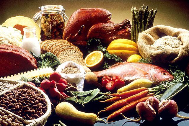 Eine Auswahl vielfältiger Lebensmittel