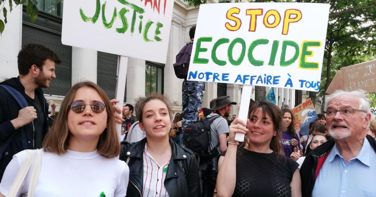 Maurice Feschet, französischer Kläger, bei einem Jugendmarsch für das Klima.