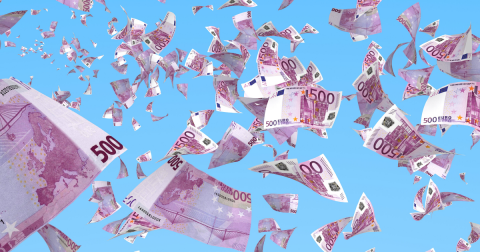 Billetes de 500€ en el cielo