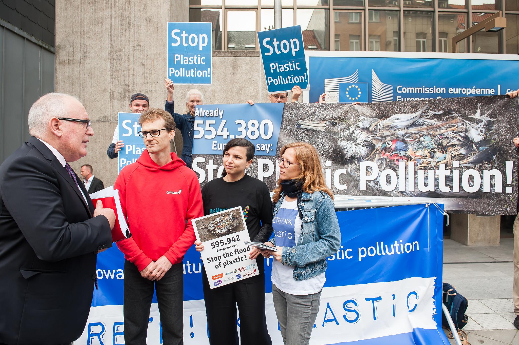 Treffen mit dem ersten Vizepräsidenten der EU-Kommission Timmermans zur Übergabe unserer Petition gegen Plastik